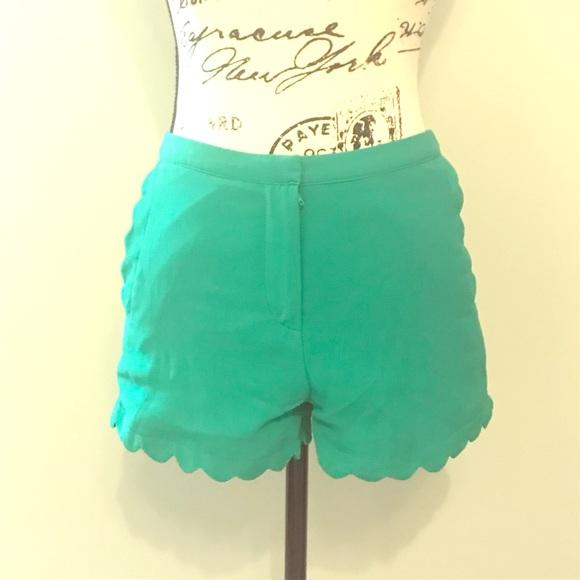 Lush Pants - Lush Green Scallop Shorts - Small